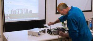 ویدئو پروژکتور استوک چیست؟